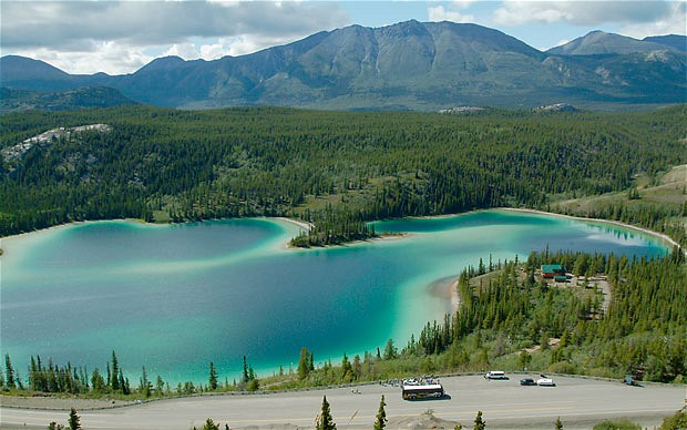 Emerald-Lake-Yukon_1840243b